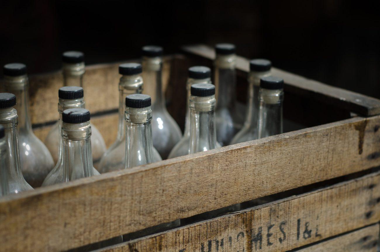 Nielegalny alkohol u 67-latki