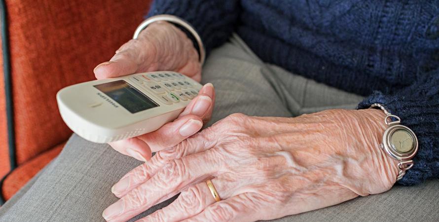 Przebiegłość oszustów nie zwiodła 83-latki