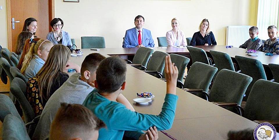 Uczniowie zajęli fotel rektora PSW