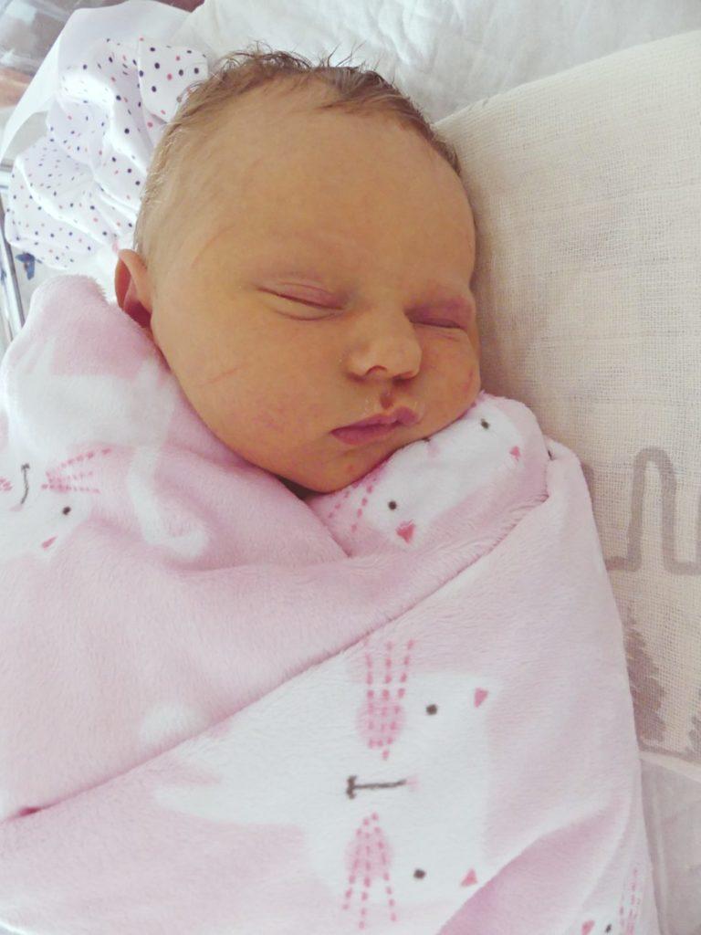 Klara przyszła na świat 7 maja, ważąc 3280 g i mierząc 57 cm. Dla Diany i Piotra ze Sławacinka Starego jest to pierwsze dziecko.