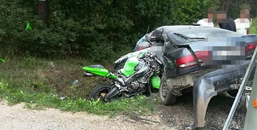 Dwie osoby zginęły w zderzeniu motocykla i toyoty
