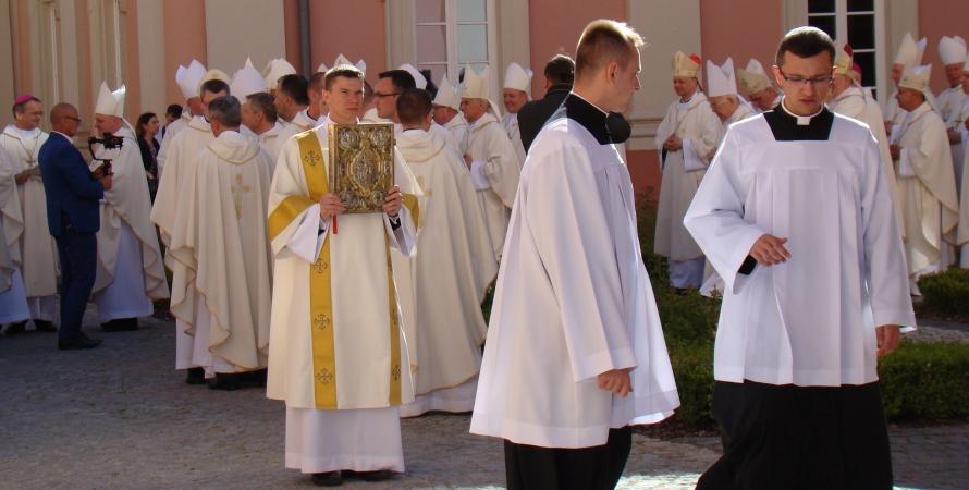 Zmiany księży w parafiach regionu