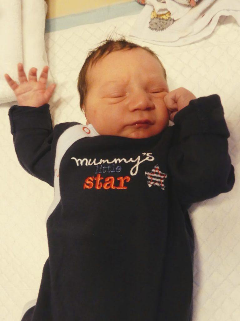 Dominik urodził się 20 września ważąc 3590 g i mierząc 56 cm. Dla Moniki i Ariela Kukawskich z Białej Podlaskiej jest to pierwsze dziecko.