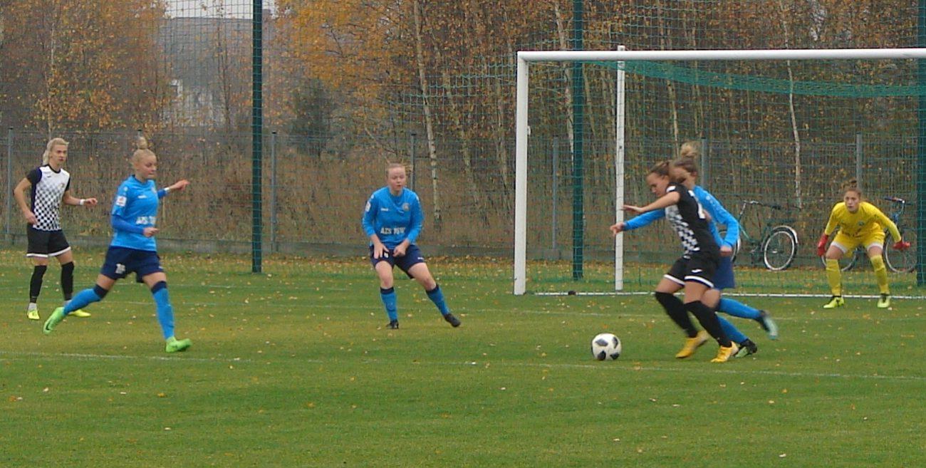 Piłkarki AZS PSW na równi z legendą futbolu kobiecego