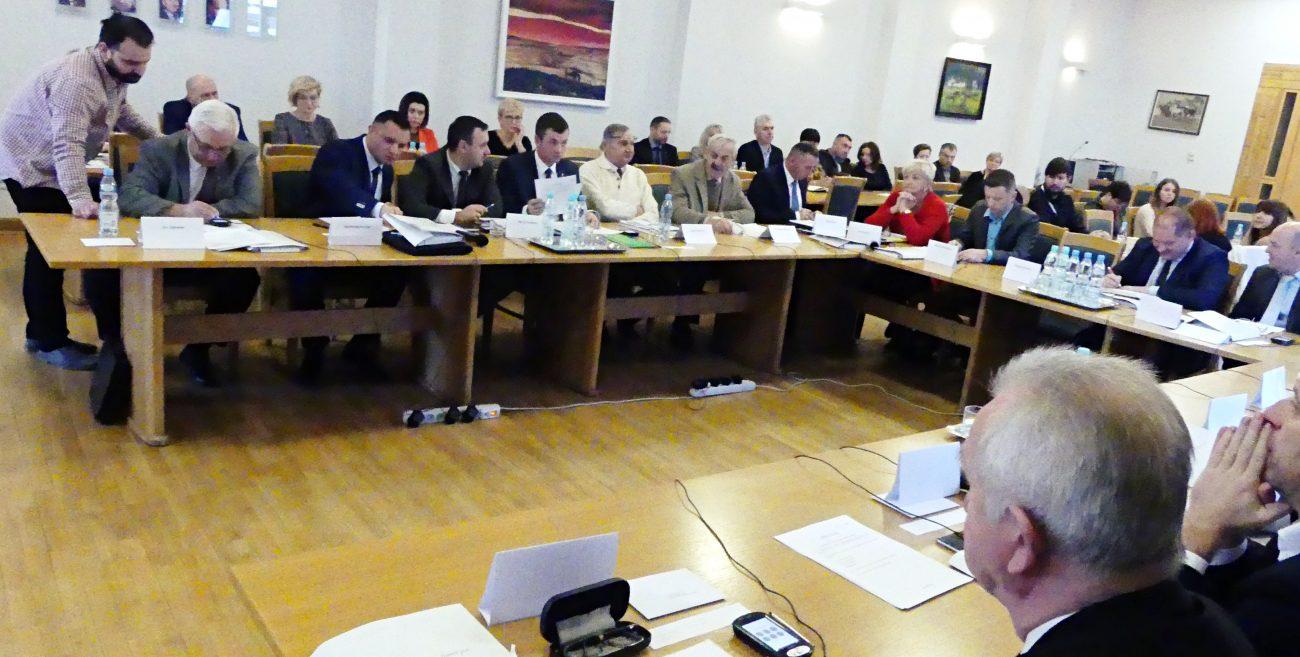 PiS-u nie za wiele we władzach komisji