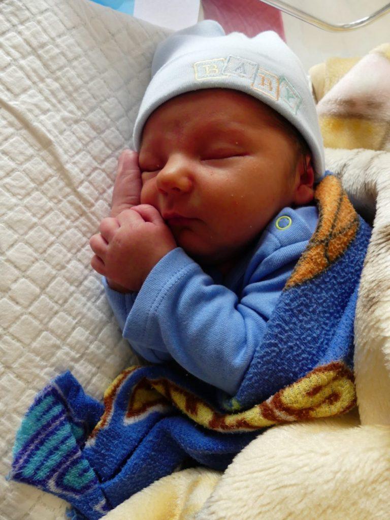 13 stycznia urodził się Wiktor. Ważył 4150 g i mierzył 59 cm. Radości z narodzin pierwszego dziecka nie kryją rodzice Mirosław i Aga Łucyk z Zalesia.