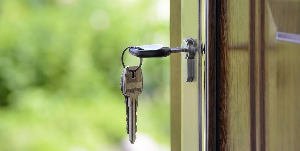 Ze sprzedaży mieszkań z bonifikatą spłacono część długu spółki