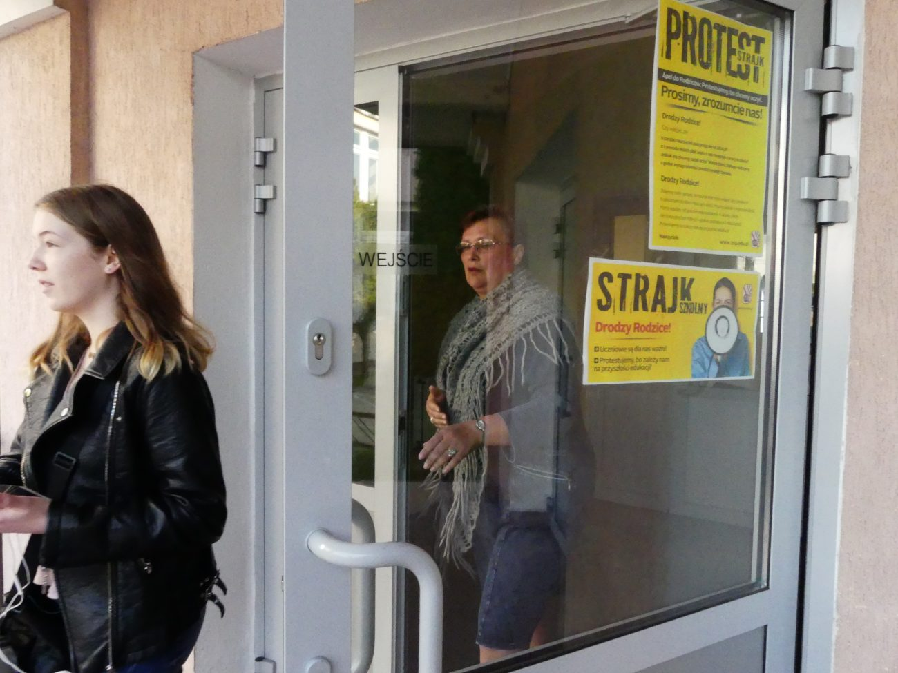 Protest zawieszony, uczniowie wrócą do szkół