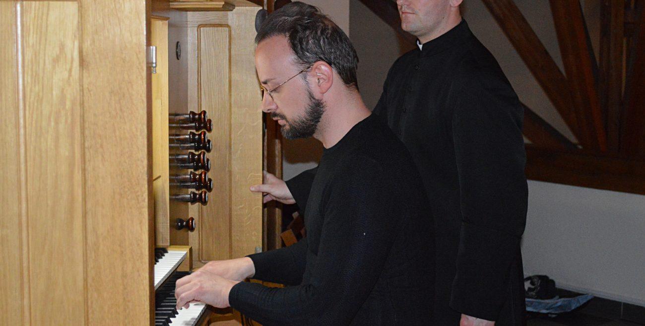 Wybrzmiała muzyka organowa