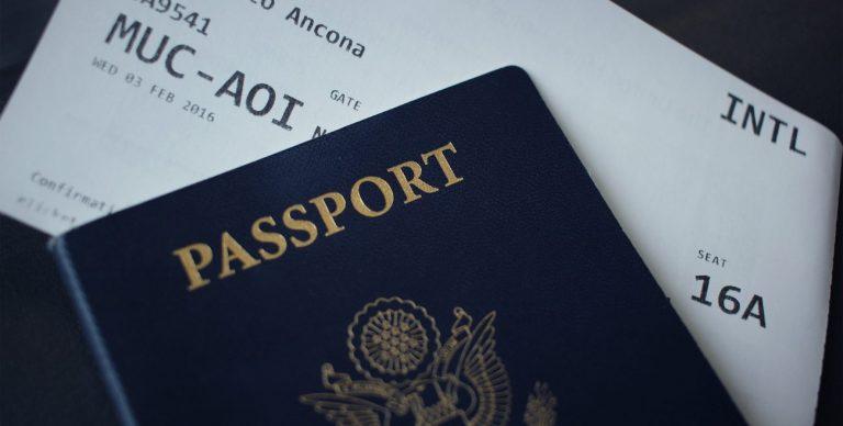 Niespodziewana rezygnacja z urlopu? Poznaj prawa, jakie przysługują pasażerom linii lotniczych