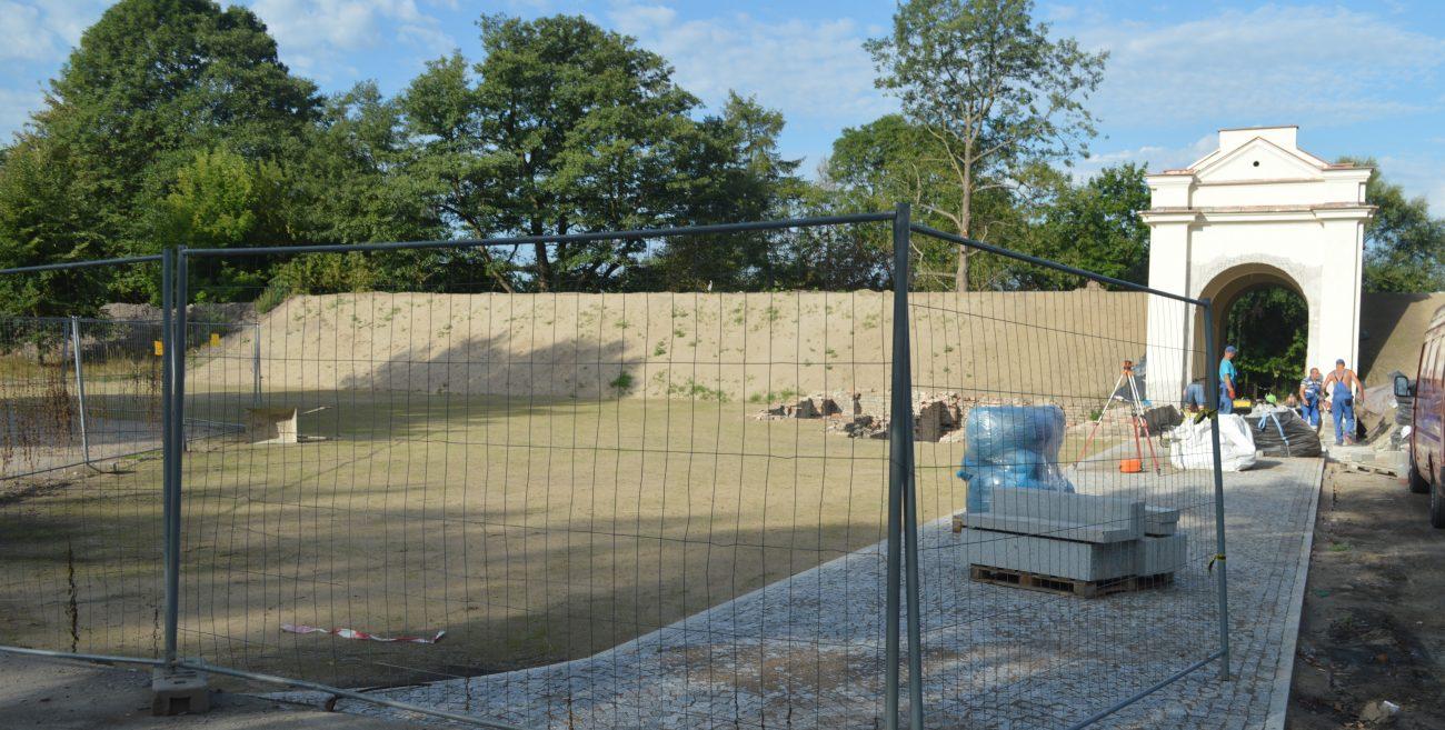 Park pięknieje, amfiteatr prawie gotowy