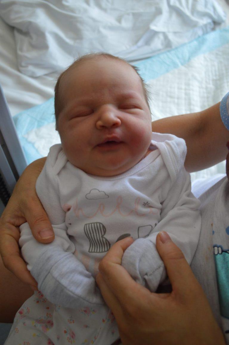 31 lipca na świat przyszła Zosia. Ważyła 5200 g i mierzyła 63 cm. Andżelika i Damian Sergiej z Kobylan mają już synka Tymona, który ma 3,5 roku.