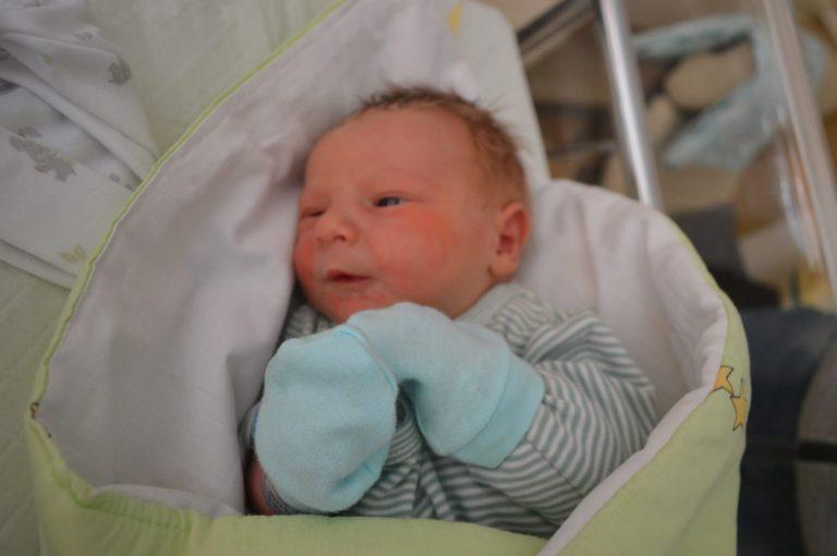 Brajan - takie imię dostał synek państwa Kowalskich z Dubowa. Chłopiec urodził się 18 września z wagą 3290 g i miarą 55 cm. Jest to pierwsze dziecko pary.