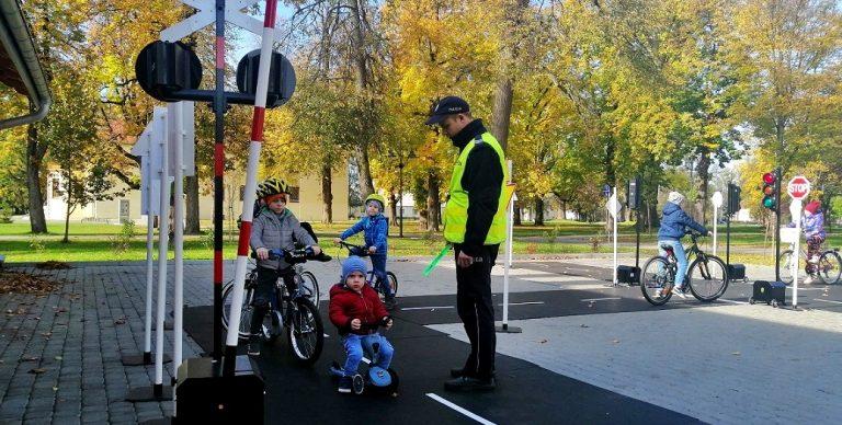 Policjanci uczyli bezpiecznej jazdy