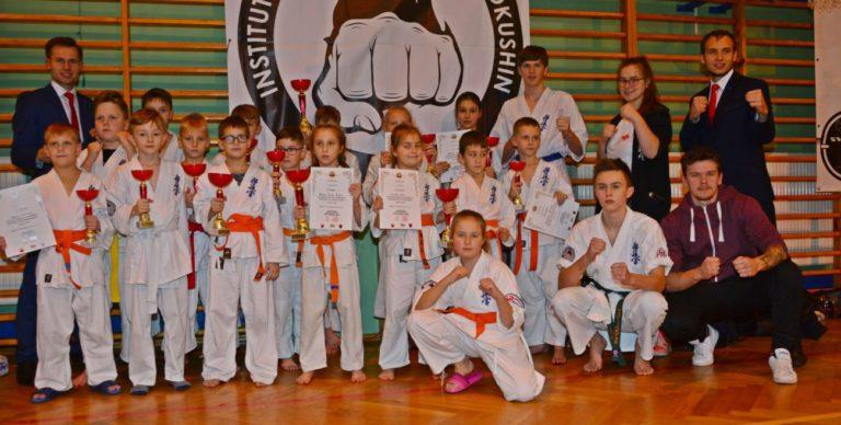 Mistrzowskie tytuły karateków