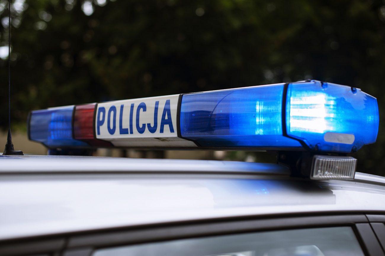 Pijany 56-latek zaparkował auto na poboczu i zasnął