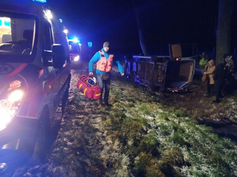 Strażnicy graniczni udzielili pomocy rannym w wypadku