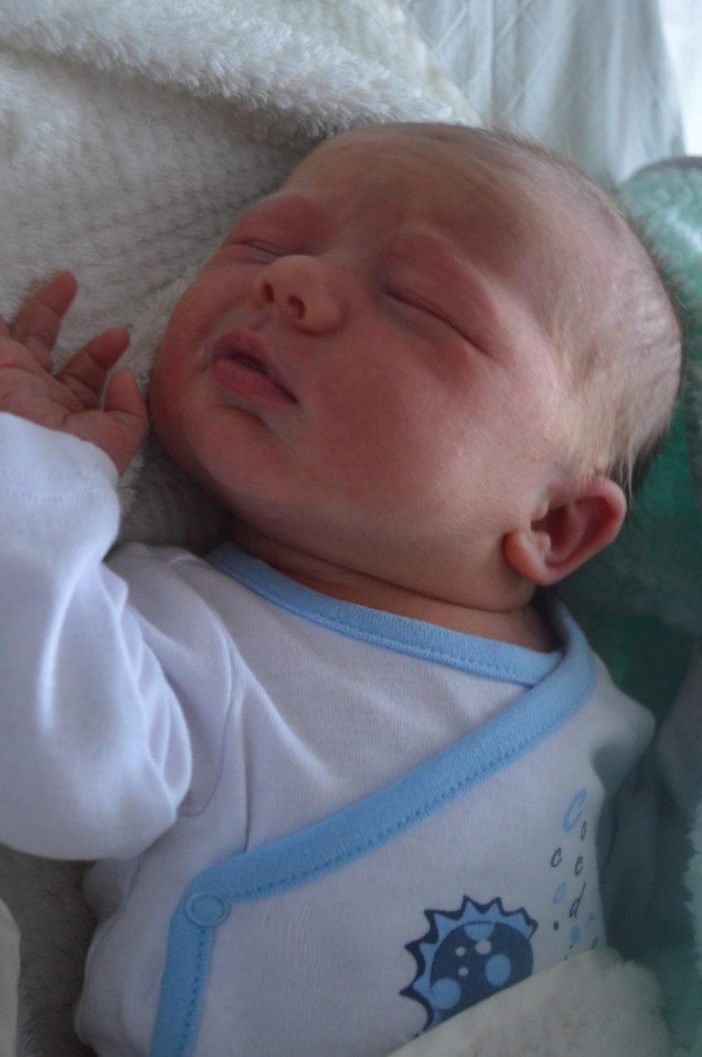 Mikołaj to drugie dziecko Jolanty i Piotra Karwowskich z Cicibora Dużego. Urodził się 31 grudnia z wagą 3530 g i miarą 57 cm. W domu czeka 7-letnia siostra.