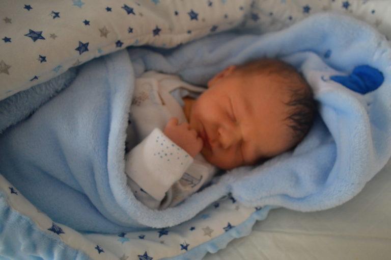 Miłosz urodził się 31 grudnia z wagą 3280 g i miarą 56 cm. Radości z narodzin maluszka nie kryją rodzice Natalia i Mariusz z Białej Podlaskiej. Chłopiec ma siostrę Blankę i brata Macieja.