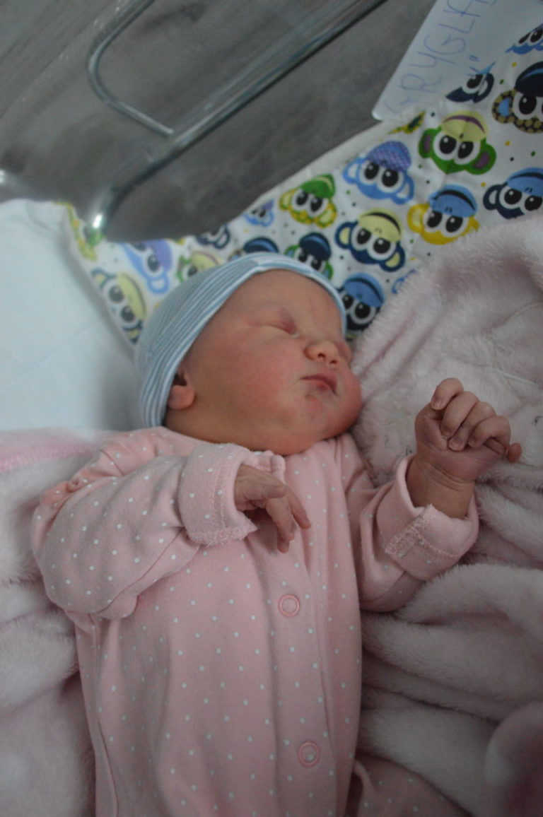 1 stycznia urodziła się Julia. Ważyła 3830 g i mierzyła 58 cm. Dla Magdy i Michała Gryglas z Komarówki to pierwsze dziecko.