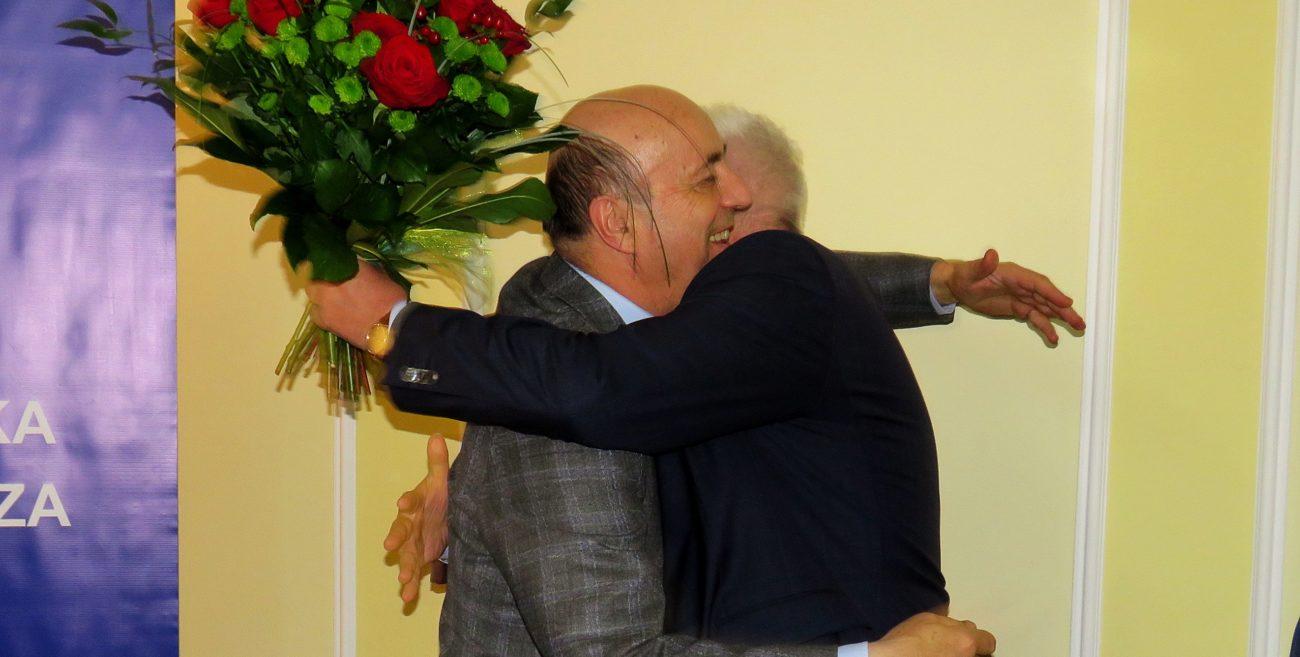 Podziękowali byłemu prezesowi Izdebskiemu