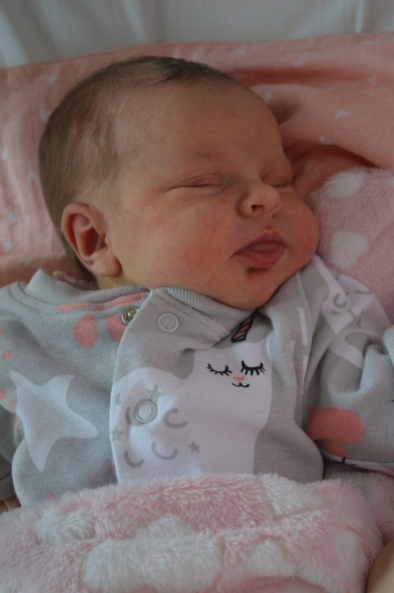 Zuzia przyszła na świat 21 stycznia z wagą 3870 g i miarą 58 cm. Monika i Mariusz mają już dwóch synów: Sebastiana i Huberta.