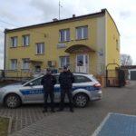 77-latka przewróciła się w mieszkaniu. Policjanci ruszyli na ratunek