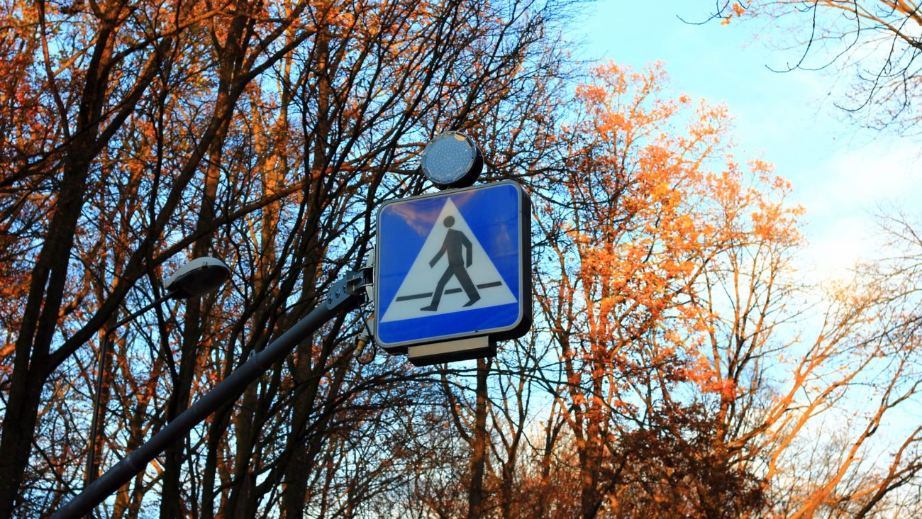 Mieszkańcy Młynarskiej chcą chodzić po pasach