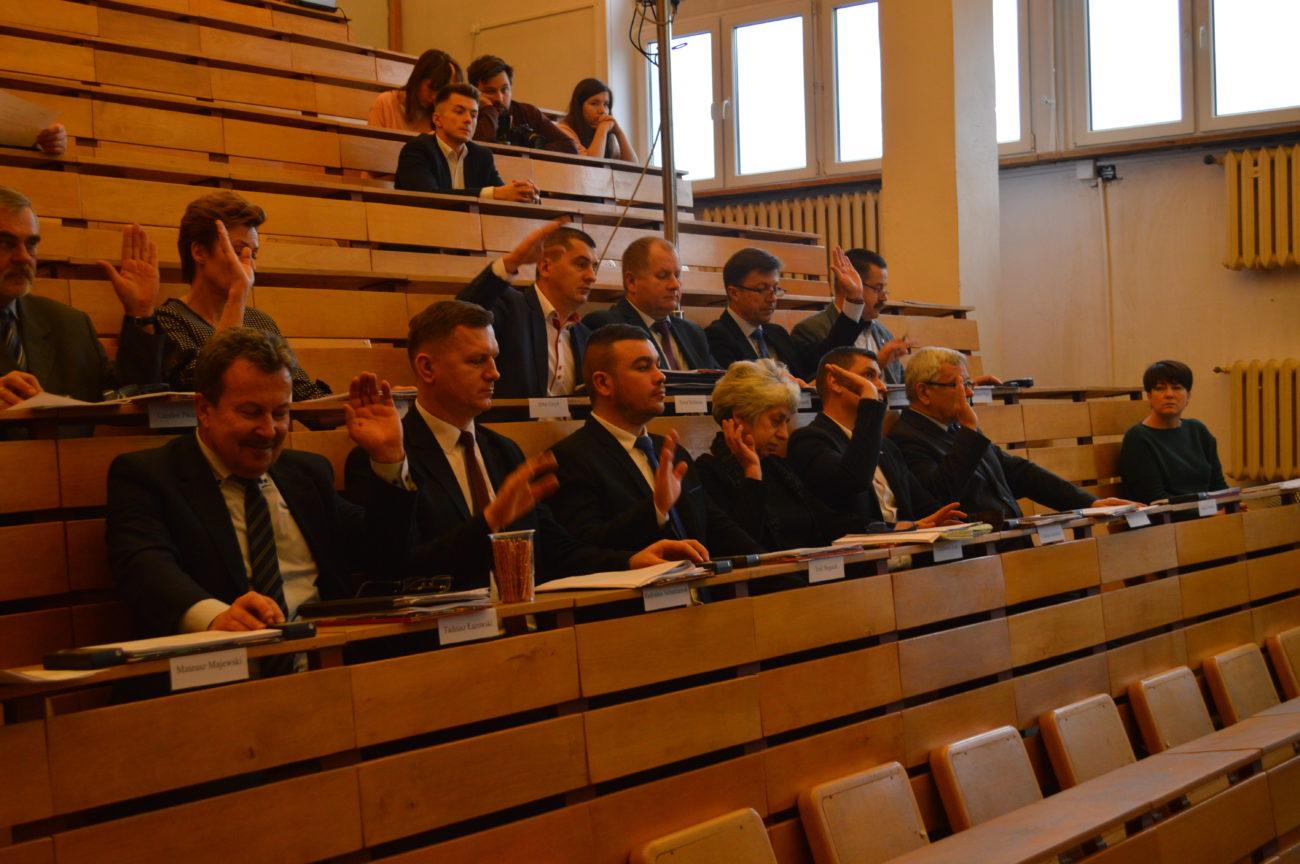 Sesja Rady Powiatu odwołana przez koronawirusa