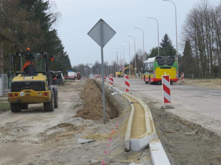 Inwestycje drogowe zgodnie z planem, OZE wstrzymane