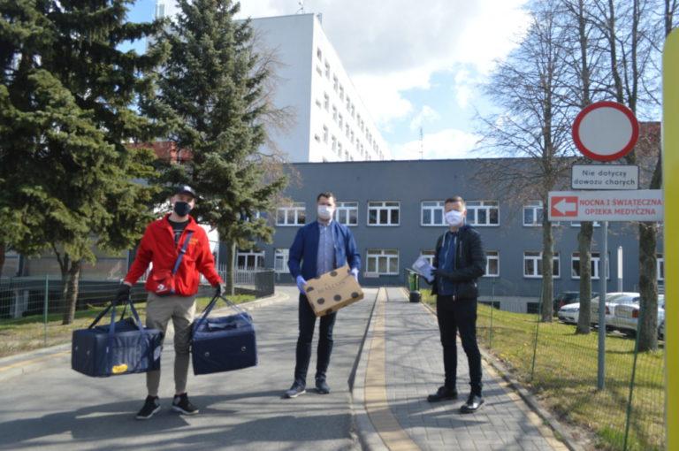 Radni przekazali maseczki i pizze dla SOR-u