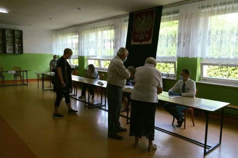 Wybory prezydenckie 2020: Wysoka frekwencja w miastach i gminach powiatu bialskiego