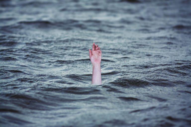 Czarny weekend nad wodą