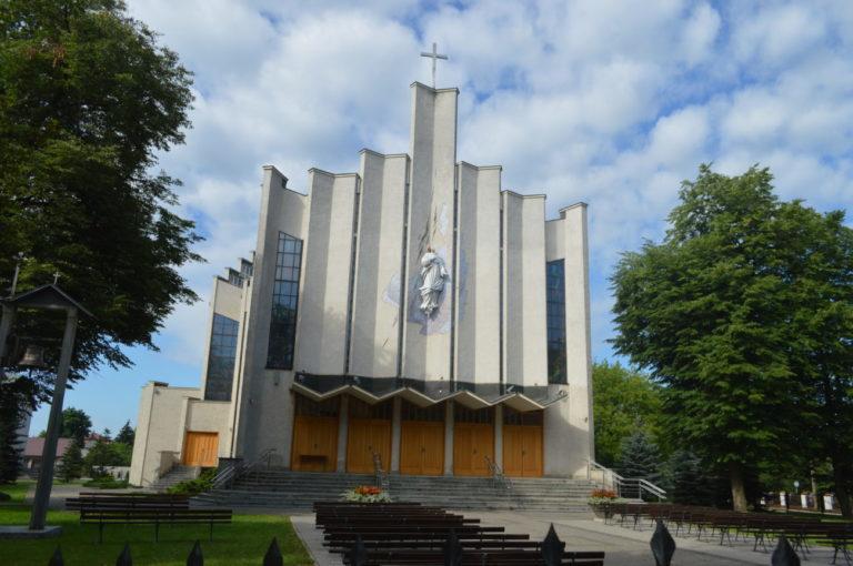 Przed sąd za nadmiar wiernych na mszy