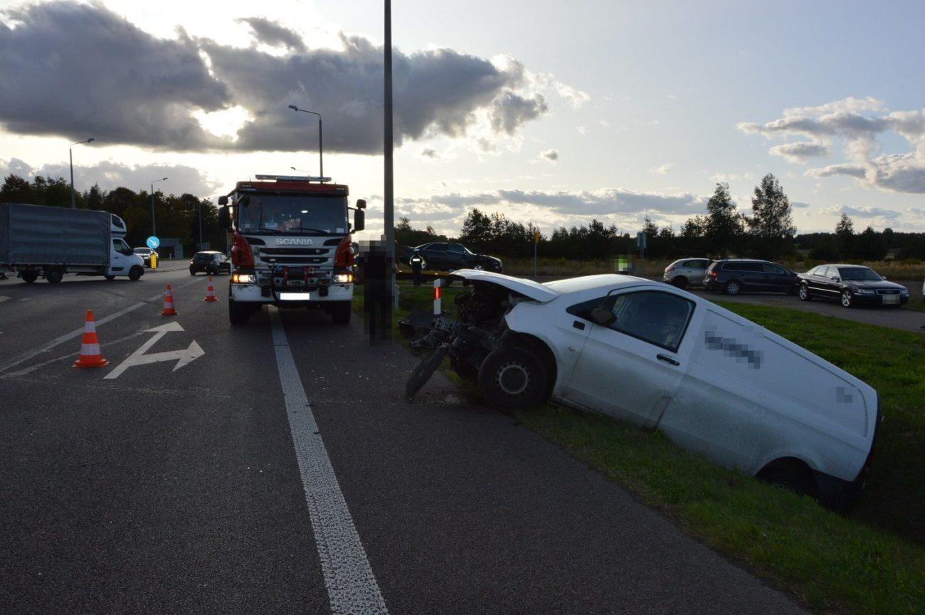 Wypadek na krajowej dwójce. Jedna osoba trafiła do szpitala