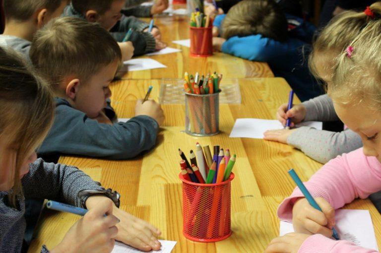 Zawieszone zajęcia w dwóch grupach w przedszkolu