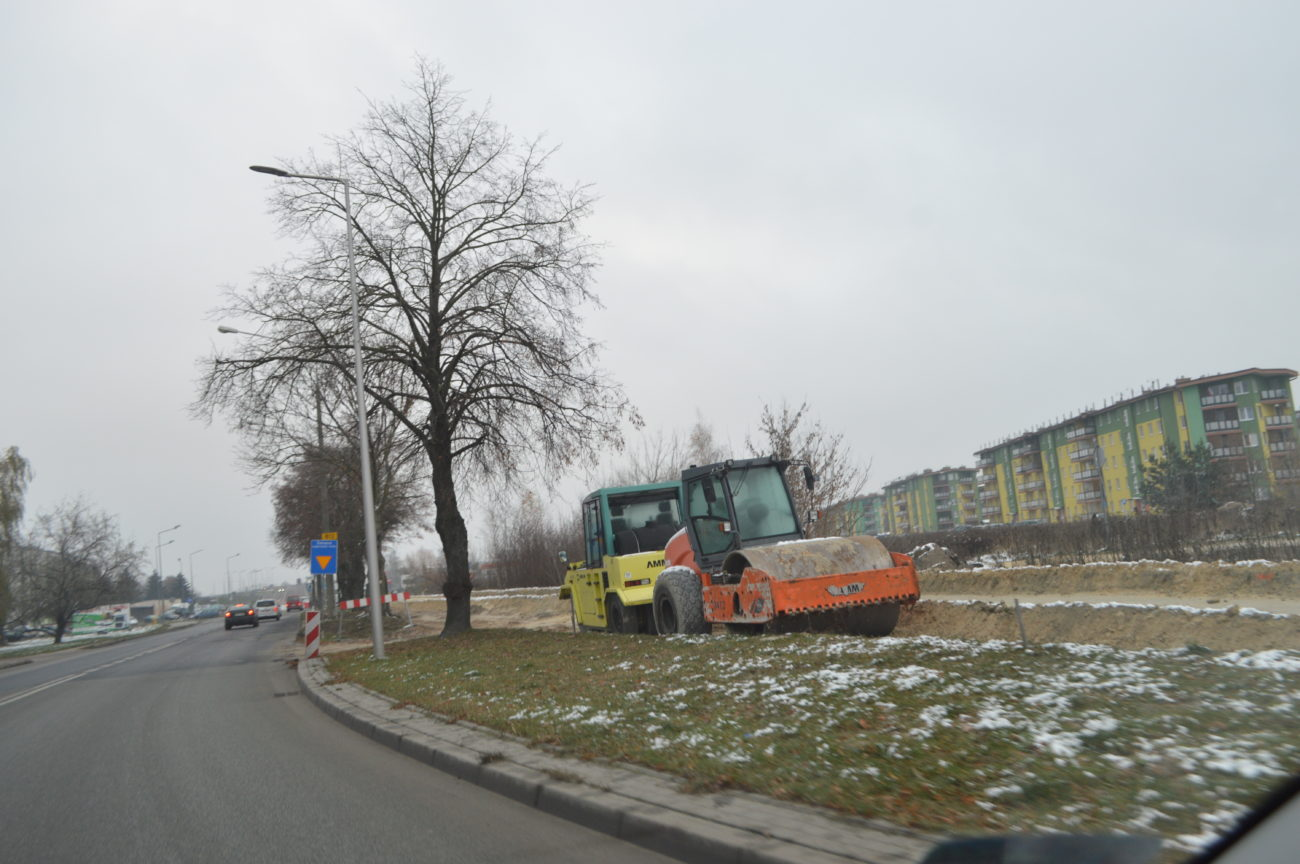 Nowy odcinek ścieżki na Janowskiej, w planach kolejne rondo