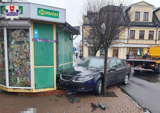 Kierowca, który wjechał w kiosk był pod wpływem narkotyków