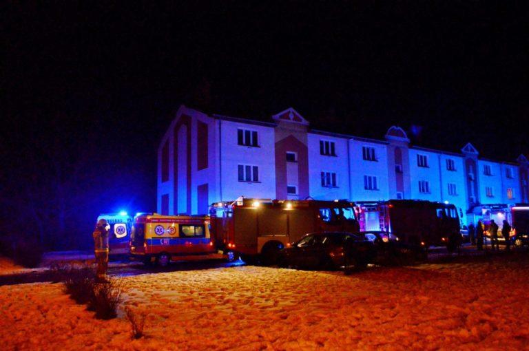 Pożar i ewakuacja w bloku przy Górnej