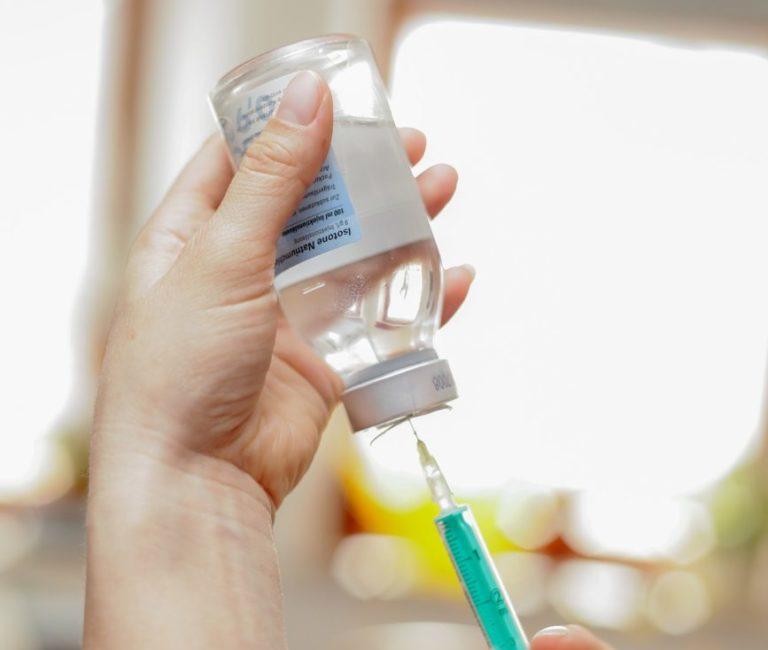 Pułapka ze szczepionkami na radnych?
