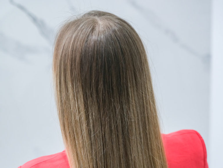 Jak wzmocnić włosy na wiosnę?