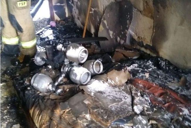 Pożar i zwłoki w bloku przy Orzechowej
