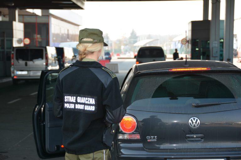 Naciągali cudzoziemców na pracę w Polsce