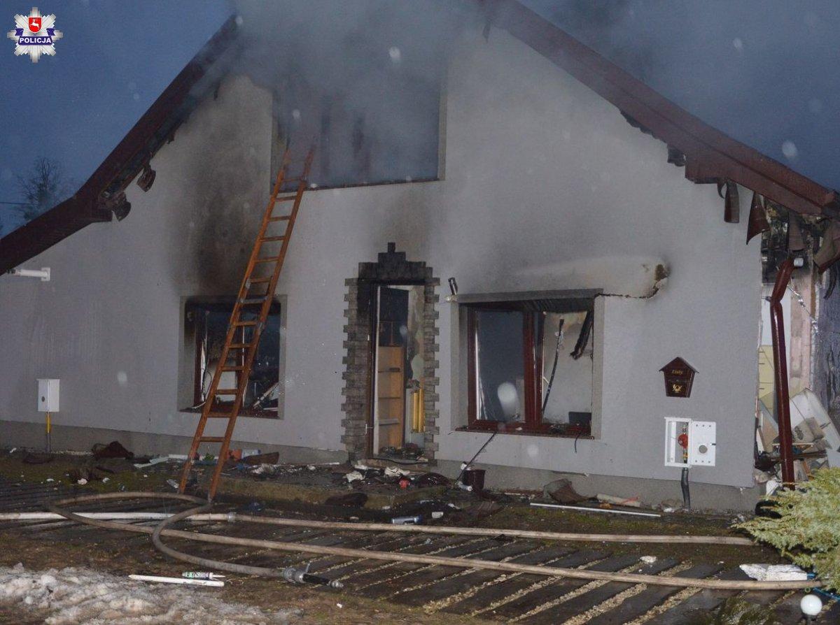 Wybuch gazu w domu jednorodzinnym. Matka i dzieci w szpitalu