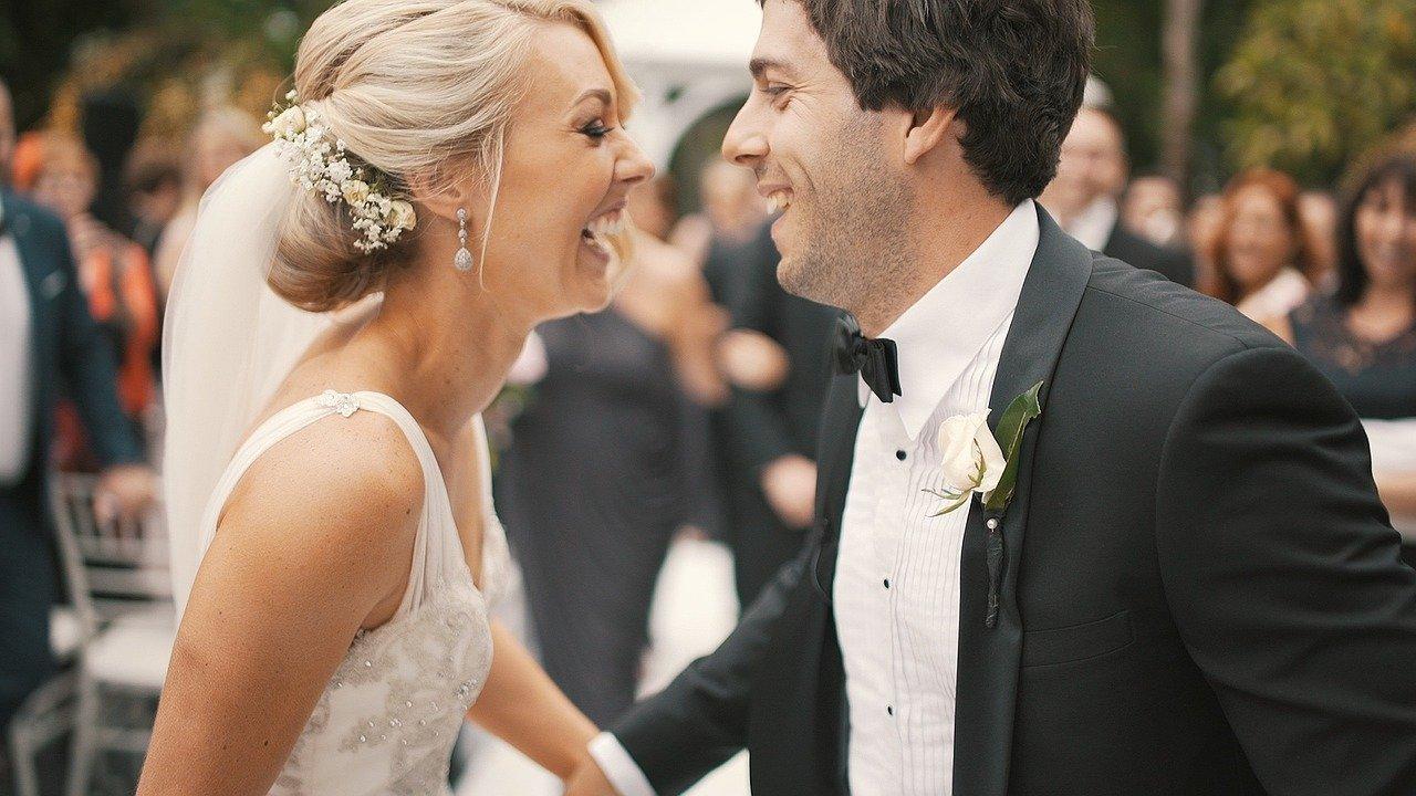 Więcej gości na weselach, wracają eventy i wystawy