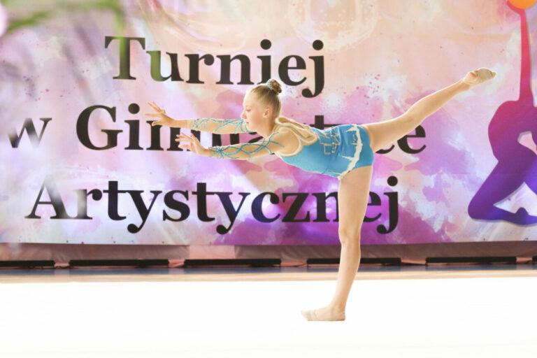 Turniej w gimnastyce artystycznej w IV LO