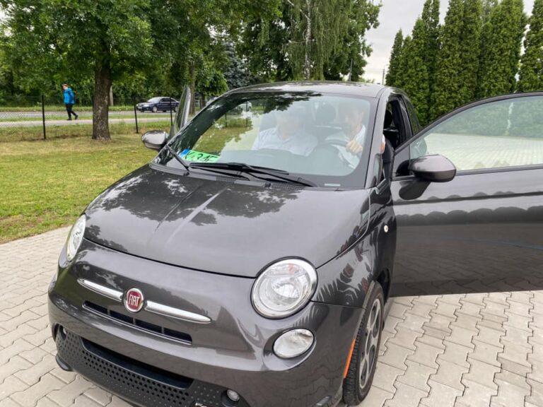 Miasto kupiło samochód dla szkoły