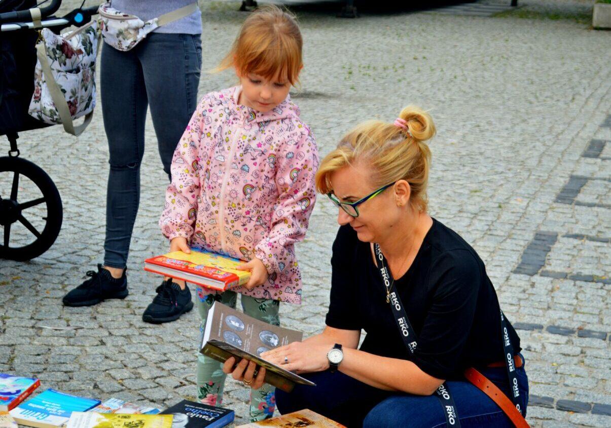 W centrum miasta promowali czytanie