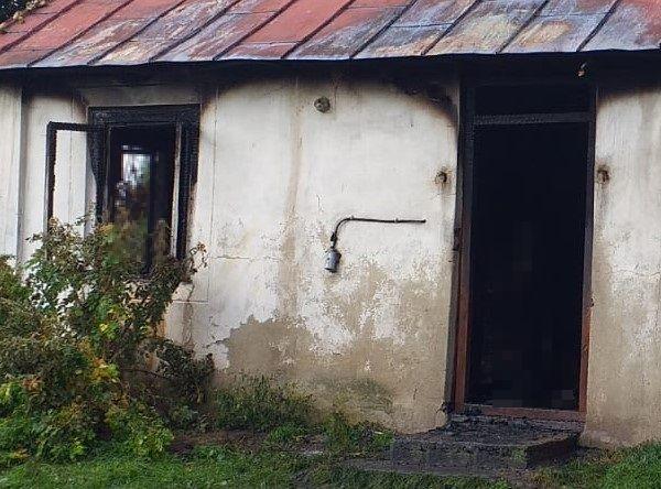 Znaleźli ciało w płonącym domu