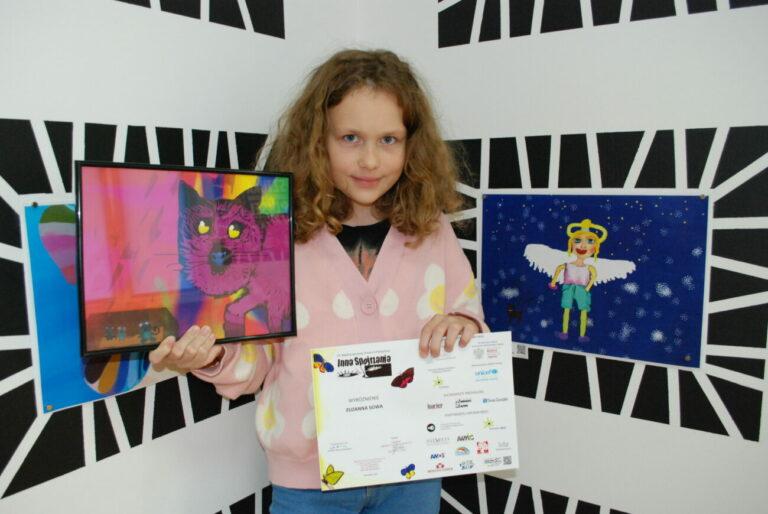 Sukces Zuzi w międzynarodowym konkursie plastycznym